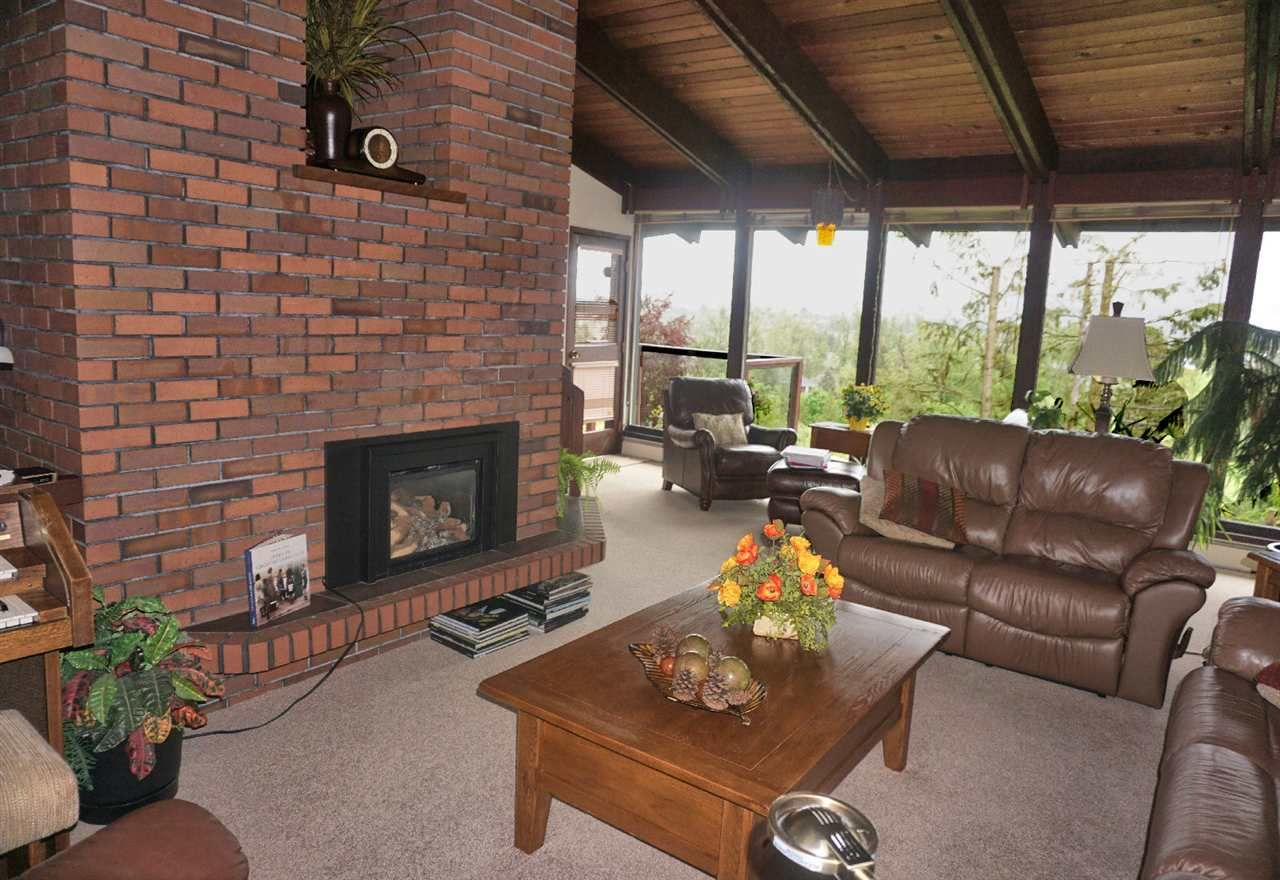 Photo 11: Photos: 10040 TIMBERLINE Place in Chilliwack: Little Mountain House for sale : MLS®# R2167640