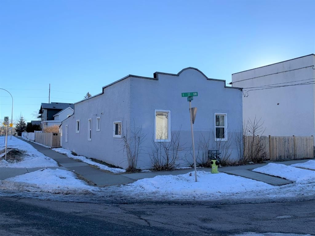 Main Photo: 1820 1 Street NW in Calgary: Tuxedo Park Detached for sale : MLS®# A1056031