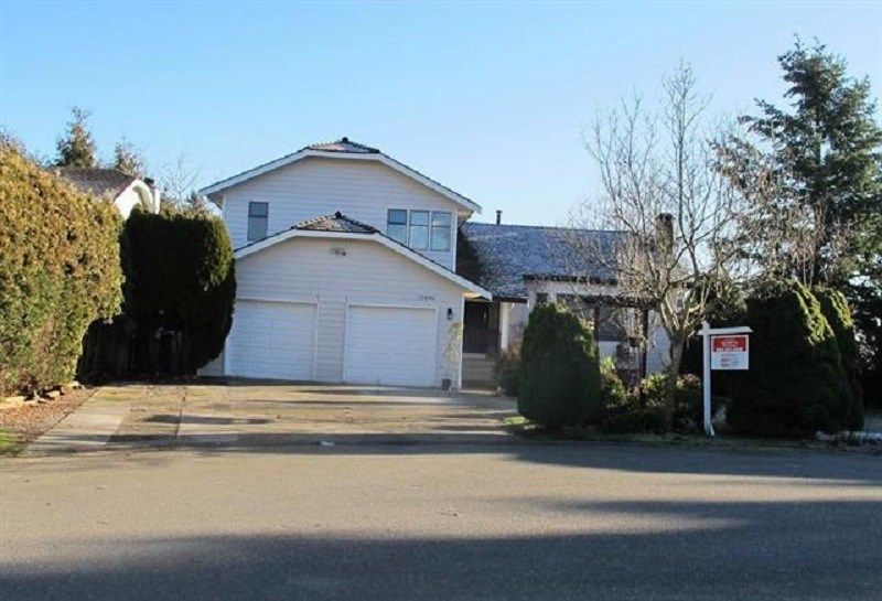 Main Photo: 10036 157A Street in Surrey: Guildford House for sale (North Surrey)  : MLS®# R2448128