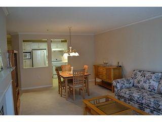 "Photo 7: 310 15350 19A Avenue in Surrey: King George Corridor Condo for sale in ""Stratford Gardens"" (South Surrey White Rock)  : MLS®# F1409599"