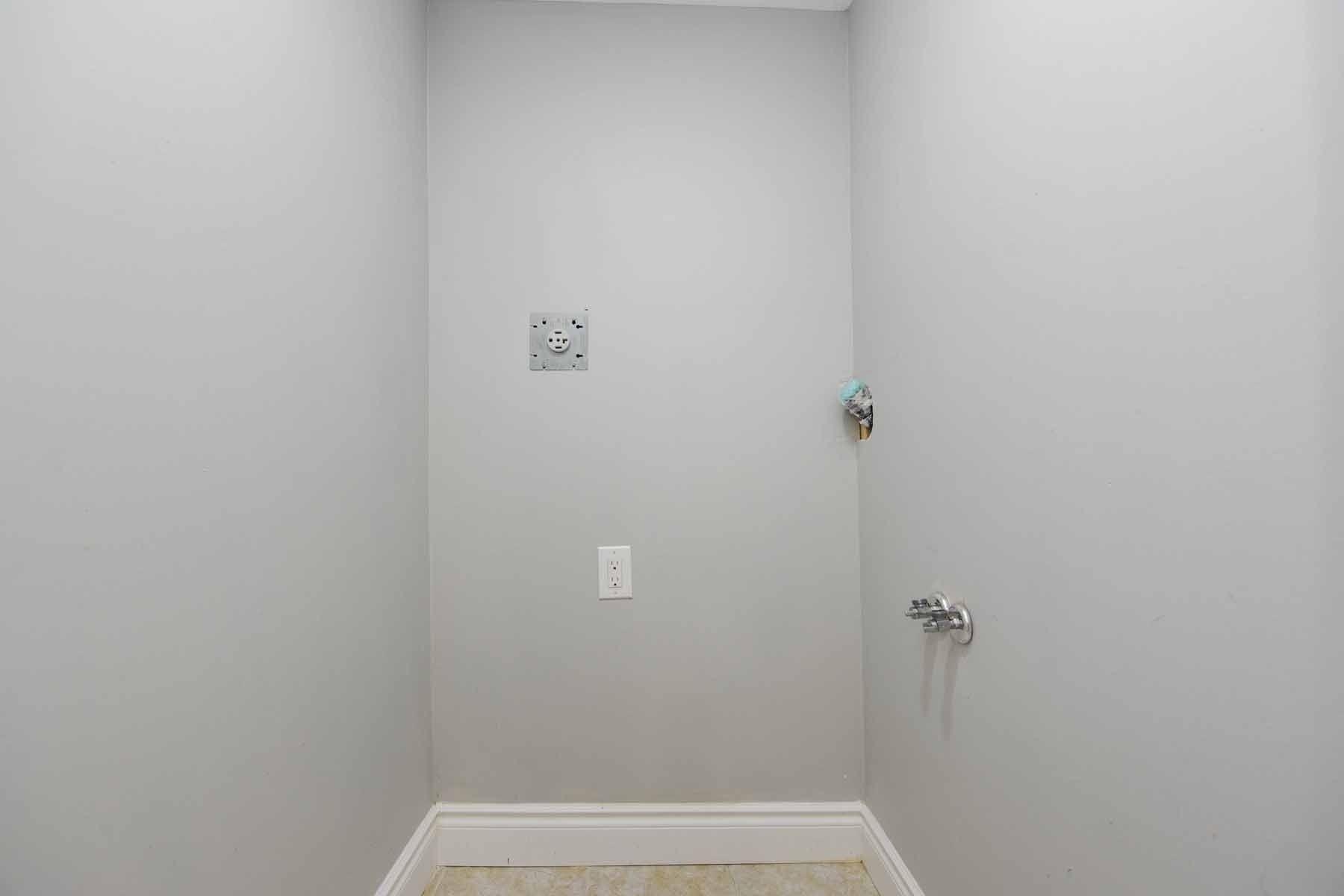 Photo 10: Photos: 20 Hallen Road in Brampton: Fletcher's West House (Apartment) for lease : MLS®# W5074220