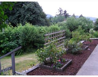 Photo 8: 493 CENTRAL Avenue in Gibsons: Gibsons & Area House for sale (Sunshine Coast)  : MLS®# V713552