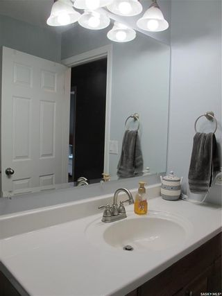 Photo 35: 105 3rd Avenue in Lampman: Residential for sale : MLS®# SK844392