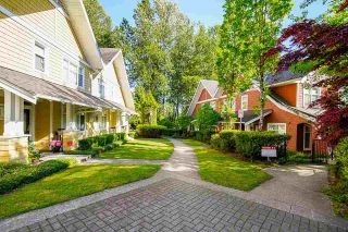 """Photo 26: 54 6878 SOUTHPOINT Drive in Burnaby: South Slope Townhouse for sale in """"CORTINA"""" (Burnaby South)  : MLS®# R2580296"""