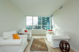 "Photo 6: 704 112 E 13TH Street in North Vancouver: Lower Lonsdale Condo for sale in ""CENTREVIEW"" : MLS®# R2243856"