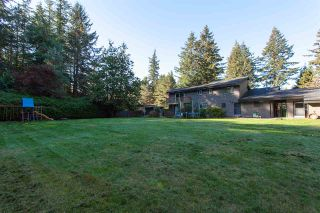 """Photo 10: 2694 141 Street in Surrey: Sunnyside Park Surrey House for sale in """"WOODSHIRE PARK"""" (South Surrey White Rock)  : MLS®# R2476300"""