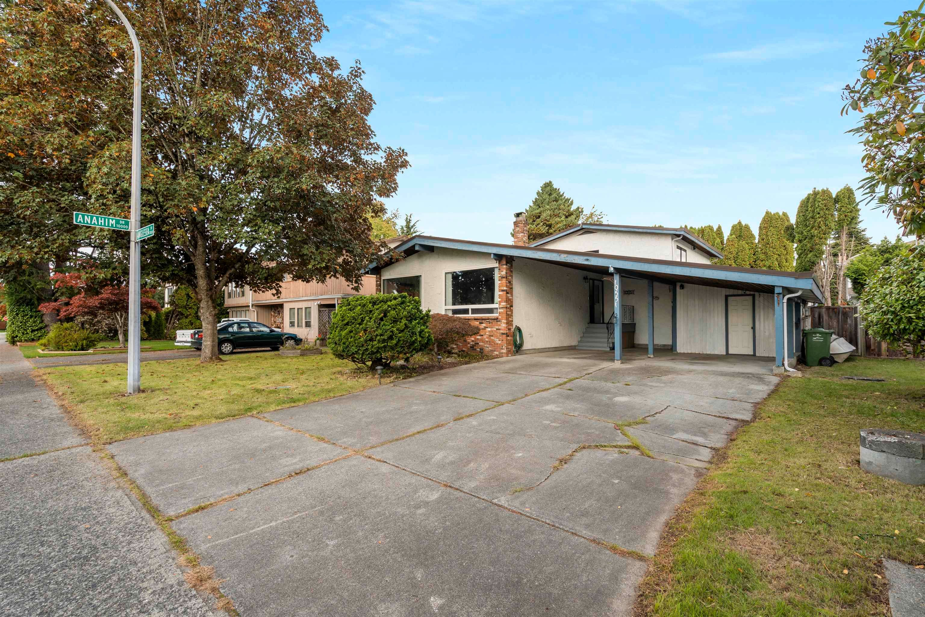 Main Photo: 10551 ANGLESEA Drive in Richmond: McNair House for sale : MLS®# R2625021