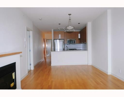 """Photo 4: Photos: 701 110 BREW Street in Port Moody: Port Moody Centre Condo for sale in """"ARIA"""" : MLS®# V802632"""