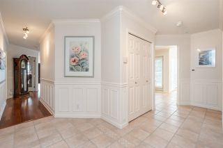 "Photo 16: 301 14934 THRIFT Avenue: White Rock Condo for sale in ""Villa Positano"" (South Surrey White Rock)  : MLS®# R2538501"