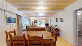 """Photo 6: 12715 LAGOON Road in Madeira Park: Pender Harbour Egmont House for sale in """"PENDER HARBOUR"""" (Sunshine Coast)  : MLS®# R2567037"""