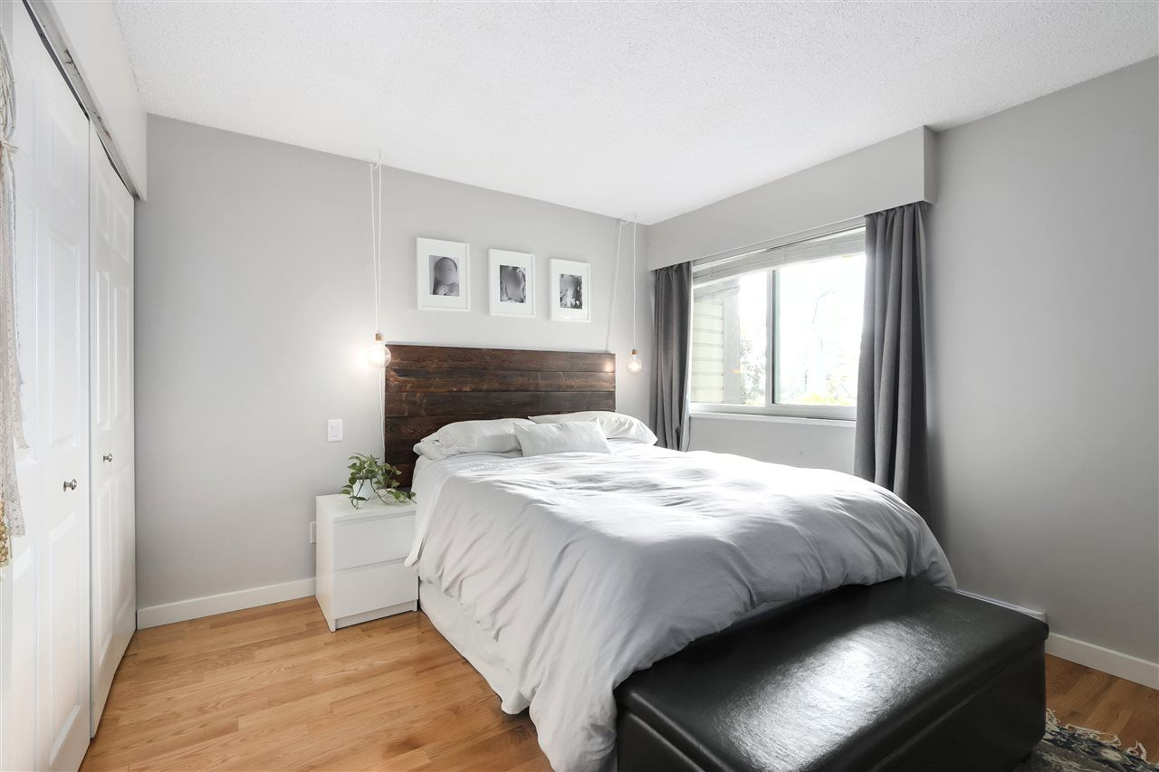Photo 13: Photos: 154 W 12TH STREET in North Vancouver: Central Lonsdale Townhouse for sale : MLS®# R2487434