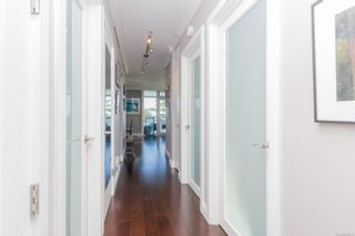Photo 2: 1003 250 Douglas St in : Vi James Bay Condo for sale (Victoria)  : MLS®# 859211