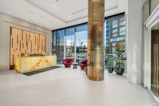 """Photo 3: 509 1768 COOK Street in Vancouver: False Creek Condo for sale in """"Avenue One"""" (Vancouver West)  : MLS®# R2625524"""