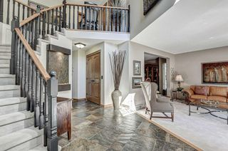 Photo 2: 315 Woodhaven Bay SW in Calgary: Woodbine Detached for sale : MLS®# A1144347