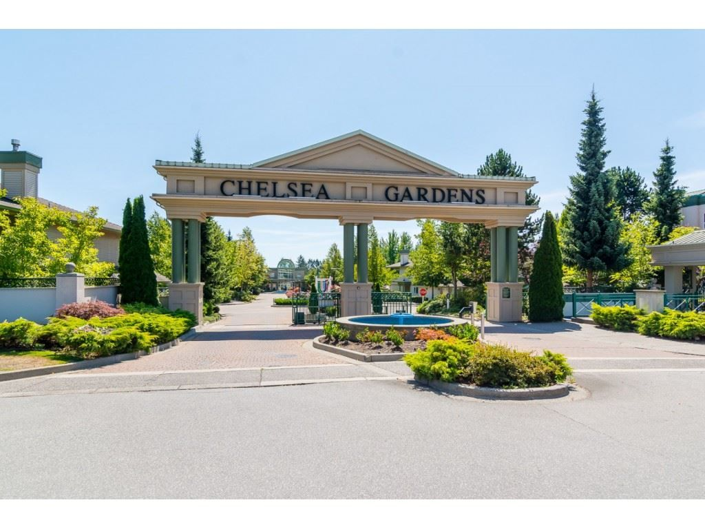 """Main Photo: 177 13888 70 Avenue in Surrey: East Newton Townhouse for sale in """"Chelsea Gardens"""" : MLS®# R2443573"""