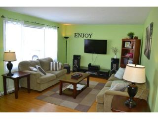 Photo 2: 614 Cedarcrest Drive in WINNIPEG: North Kildonan Residential for sale (North East Winnipeg)  : MLS®# 1303732