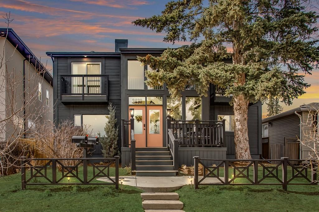 Main Photo: 2439 22A Street NW in Calgary: Banff Trail Detached for sale : MLS®# A1135055