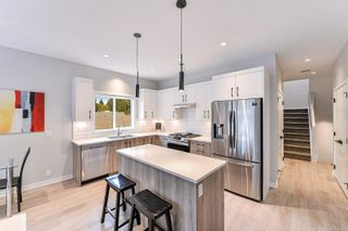 Photo 8: 102 684 Hoylake Ave in : La Thetis Heights Row/Townhouse for sale (Langford)  : MLS®# 859959