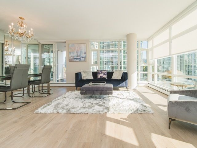 Main Photo: 706 198 AQUARIUS MEWS in Vancouver: Yaletown Condo for sale (Vancouver West)  : MLS®# R2424836