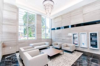 """Photo 15: 1802 455 SW MARINE Drive in Vancouver: Marpole Condo for sale in """"W1"""" (Vancouver West)  : MLS®# R2382915"""