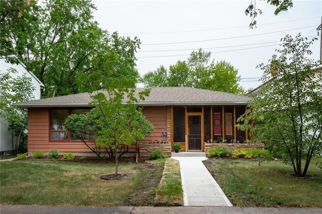 Main Photo: 859 Campbell Street in Winnipeg: River Heights South Residential for sale (1D)  : MLS®# 202117411