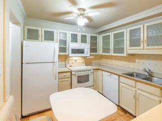 "Photo 6: 105 1521 BLACKWOOD Street: White Rock Condo for sale in ""SANDRINGHAM"" (South Surrey White Rock)  : MLS®# R2583925"