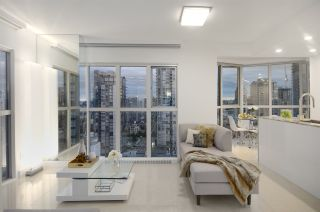 """Photo 3: 1907 1188 HOWE Street in Vancouver: Downtown VW Condo for sale in """"1188 Howe"""" (Vancouver West)  : MLS®# R2125945"""