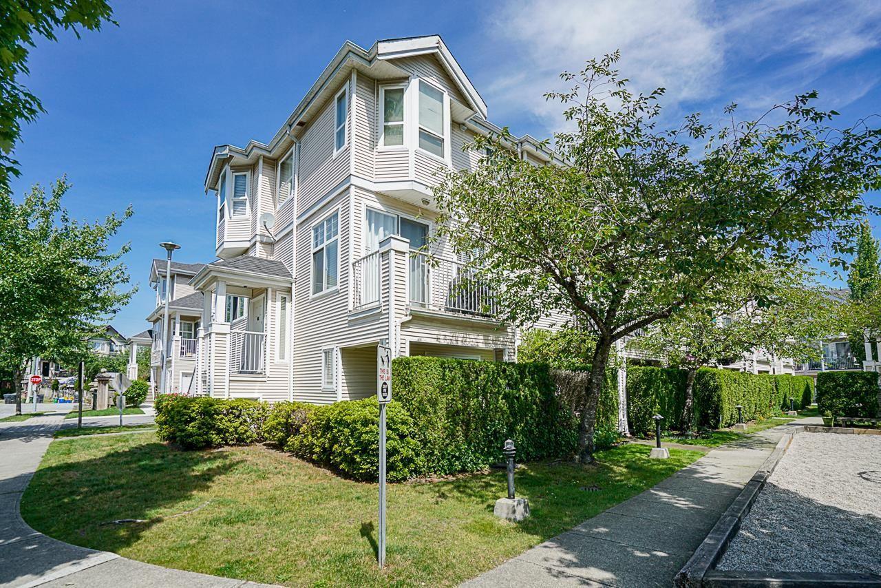 "Main Photo: 87 22888 WINDSOR Court in Richmond: Hamilton RI Townhouse for sale in ""WINDSOR GARDEN"" : MLS®# R2600528"