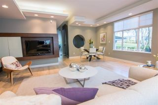 """Photo 4: 928 WESTBURY Walk in Vancouver: South Cambie Townhouse for sale in """"CHURCHILL GARDENS"""" (Vancouver West)  : MLS®# R2436730"""
