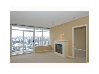"Photo 7: 2107 898 CARNARVON Street in New Westminster: Downtown NW Condo for sale in ""AZURE AT PLAZA 88"" : MLS®# V835306"