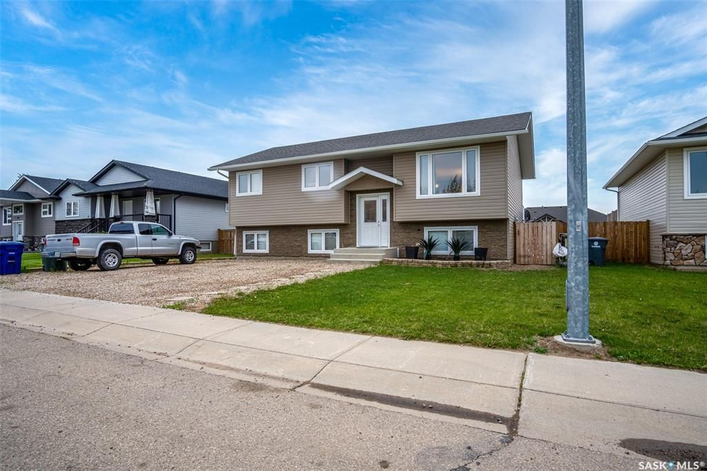 Main Photo: 31 6th Avenue in Langham: Residential for sale : MLS®# SK859370
