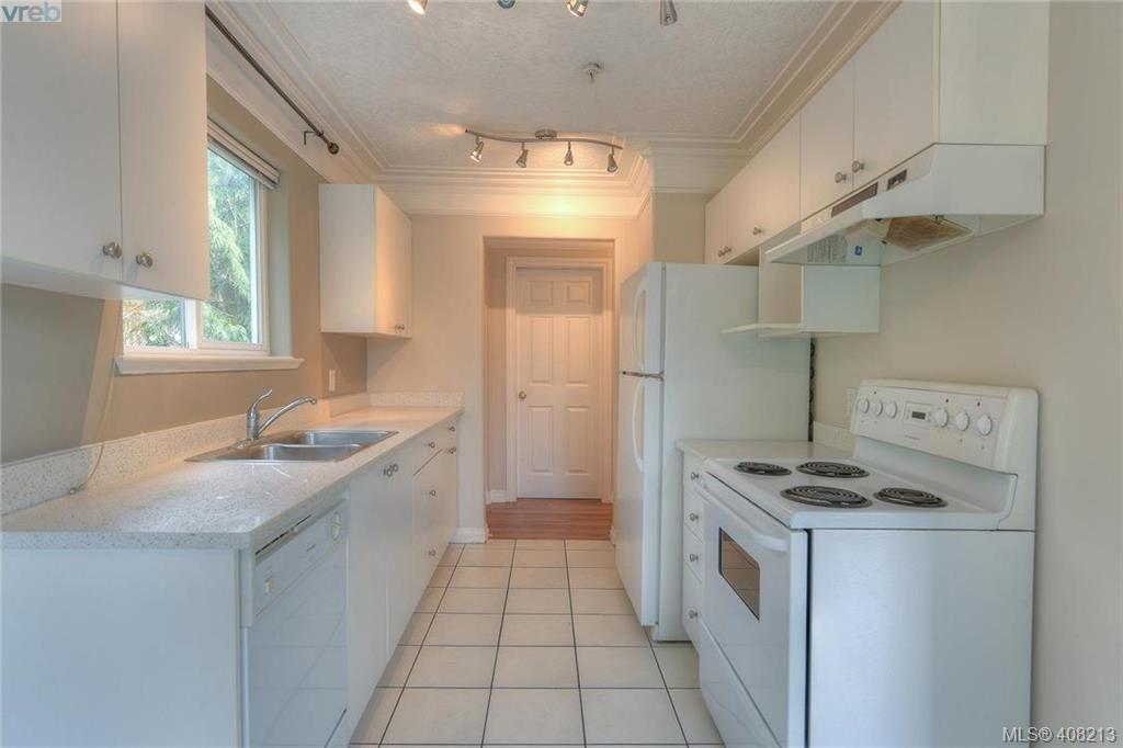 Photo 10: Photos: A & B 3232 Loledo Pl in VICTORIA: La Luxton Full Duplex for sale (Langford)  : MLS®# 811181