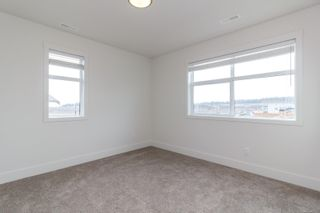Photo 10: 31 350 Latoria Blvd in : Co Royal Bay Row/Townhouse for sale (Colwood)  : MLS®# 867173