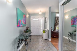Photo 3: 11143 40 Avenue in Edmonton: Zone 16 House for sale : MLS®# E4255339