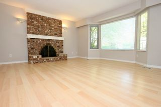 Photo 4: 6460 CONSTABLE Drive in Richmond: Woodwards House for sale : MLS®# R2592097