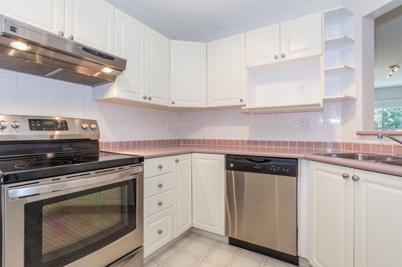 "Photo 9: Photos: 113 7171 121 Street in Surrey: West Newton Condo for sale in ""Highlands"" : MLS®# R2102553"