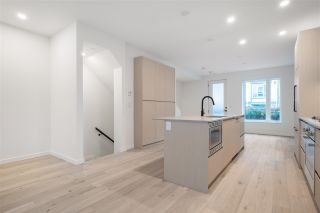 """Photo 15: TH16 528 E 2ND Street in North Vancouver: Lower Lonsdale Townhouse for sale in """"Founder Block South"""" : MLS®# R2540975"""