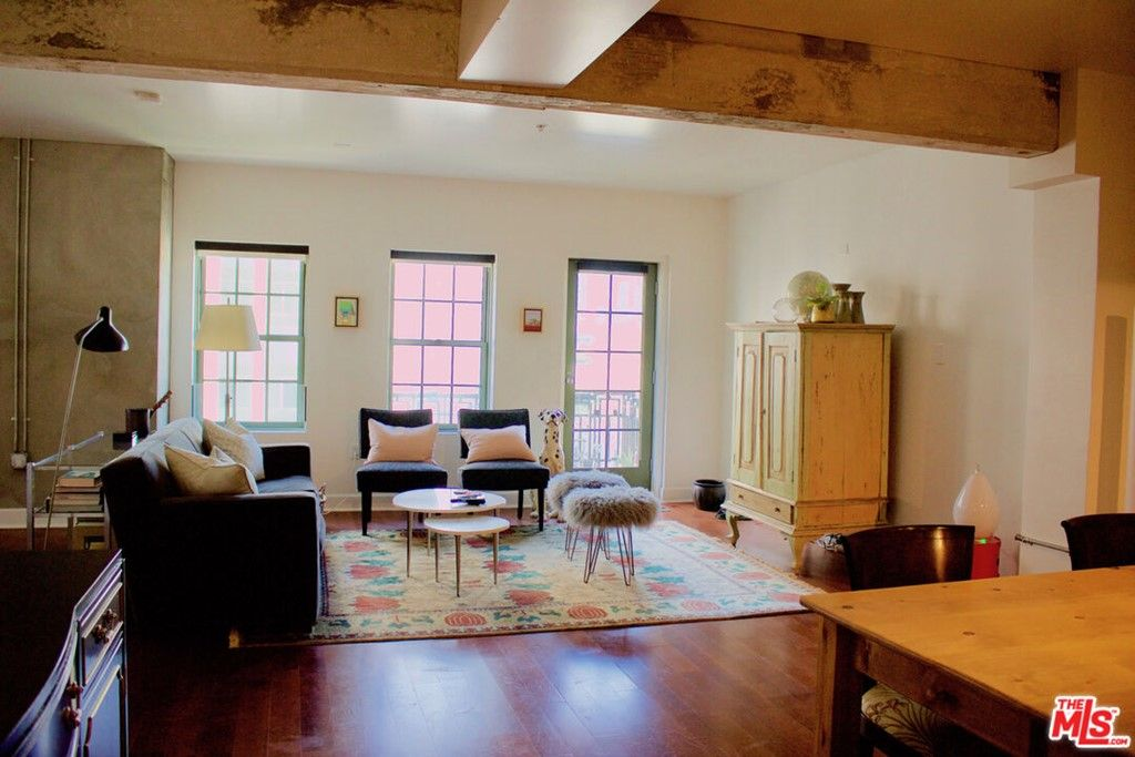 Main Photo: 416 S SPRING Street Unit 905 in Los Angeles: Residential Lease for sale (C42 - Downtown L.A.)  : MLS®# 21794642