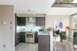 "Photo 4: 806 1238 RICHARDS Street in Vancouver: Yaletown Condo for sale in ""Metropolis"" (Vancouver West)  : MLS®# R2151937"