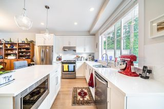"""Photo 8: 1 15717 MOUNTAIN VIEW Drive in Surrey: Grandview Surrey Townhouse for sale in """"Olivia"""" (South Surrey White Rock)  : MLS®# R2610838"""