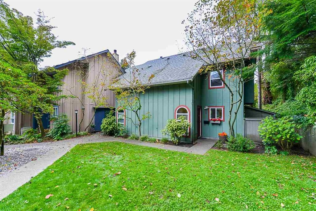 Main Photo: 1 900 17th W Street in North Vancouver: Mosquito Creek Townhouse for sale : MLS®# r2510264
