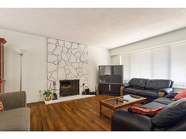 Photo 3: Photos: 11675 GRAVES ST in Maple Ridge: Southwest Maple Ridge House for sale : MLS®# V1130864