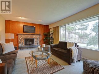 Photo 3: 9252 West Saanich Road in North Saanich: House for sale : MLS®# 375505