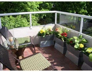 """Photo 4: 403 1566 W 13TH Avenue in Vancouver: Fairview VW Condo for sale in """"ROYAL GARDENS"""" (Vancouver West)  : MLS®# V768607"""