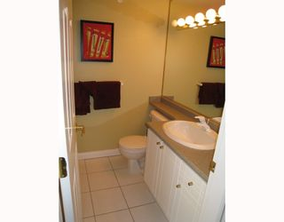 """Photo 8: 406 688 E 16TH Avenue in Vancouver: Fraser VE Condo for sale in """"VINTAGE EAST"""" (Vancouver East)  : MLS®# V710673"""