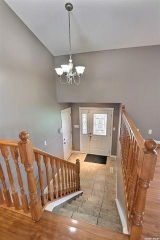 Photo 2: 425 Southwood Drive in Prince Albert: SouthWood Residential for sale : MLS®# SK870812