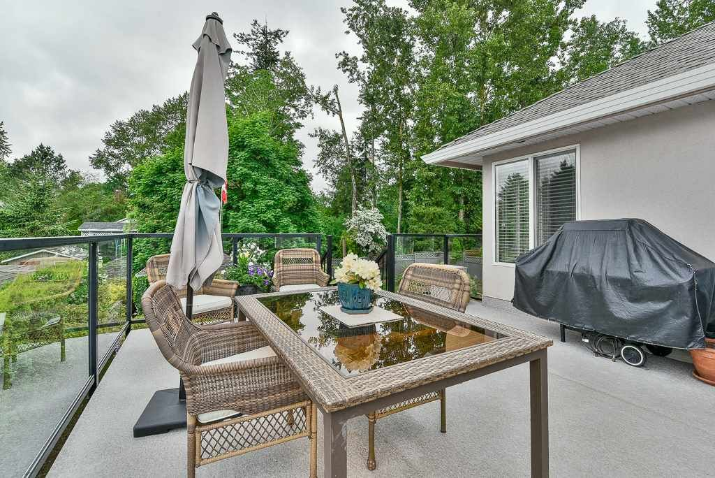Photo 19: Photos: 6103 190 Street in Surrey: Cloverdale BC House for sale (Cloverdale)  : MLS®# R2269970
