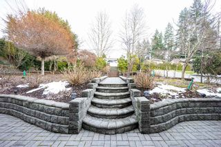 Photo 3: 948 BLUE MOUNTAIN Street in Coquitlam: Coquitlam West House for sale : MLS®# R2544232