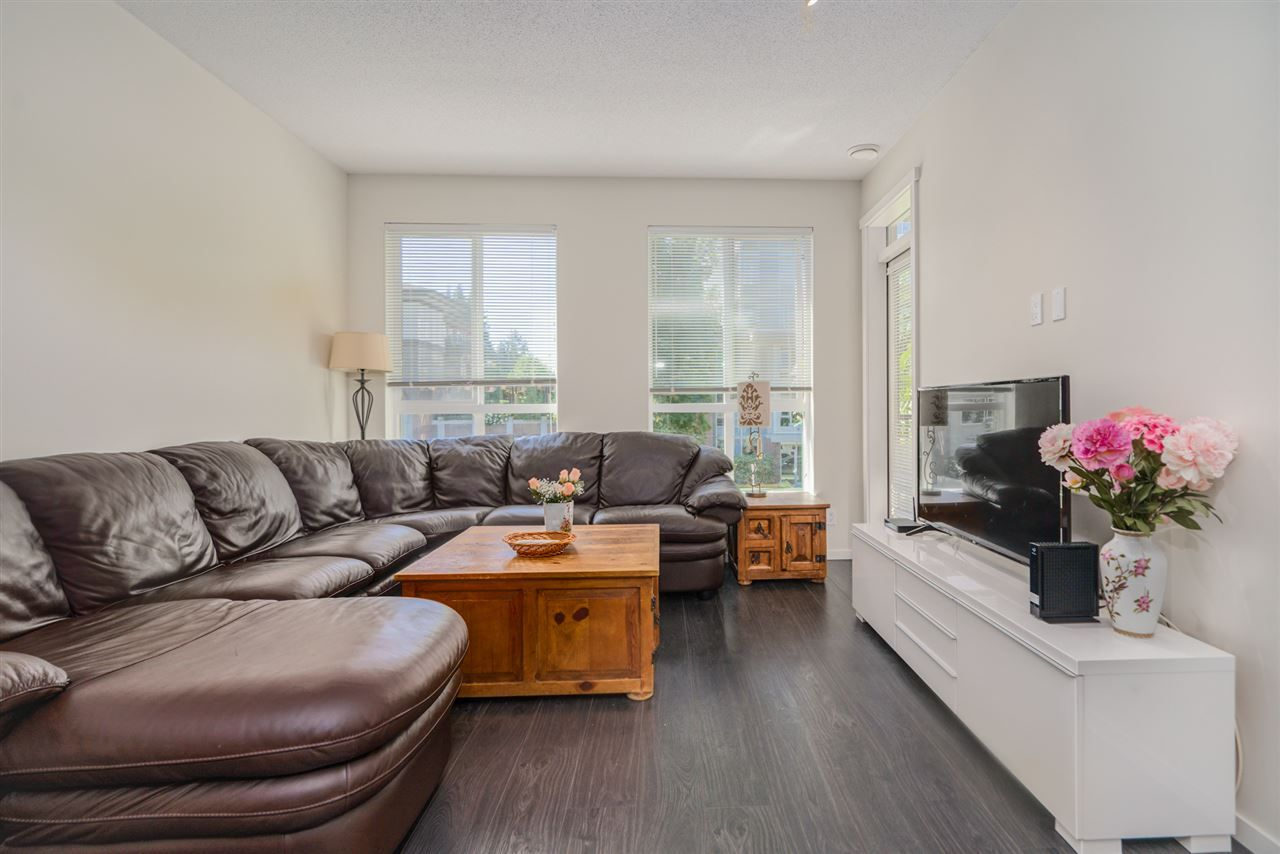 """Photo 10: Photos: 216 3107 WINDSOR Gate in Coquitlam: New Horizons Condo for sale in """"BRADLEY HOUSE"""" : MLS®# R2481599"""