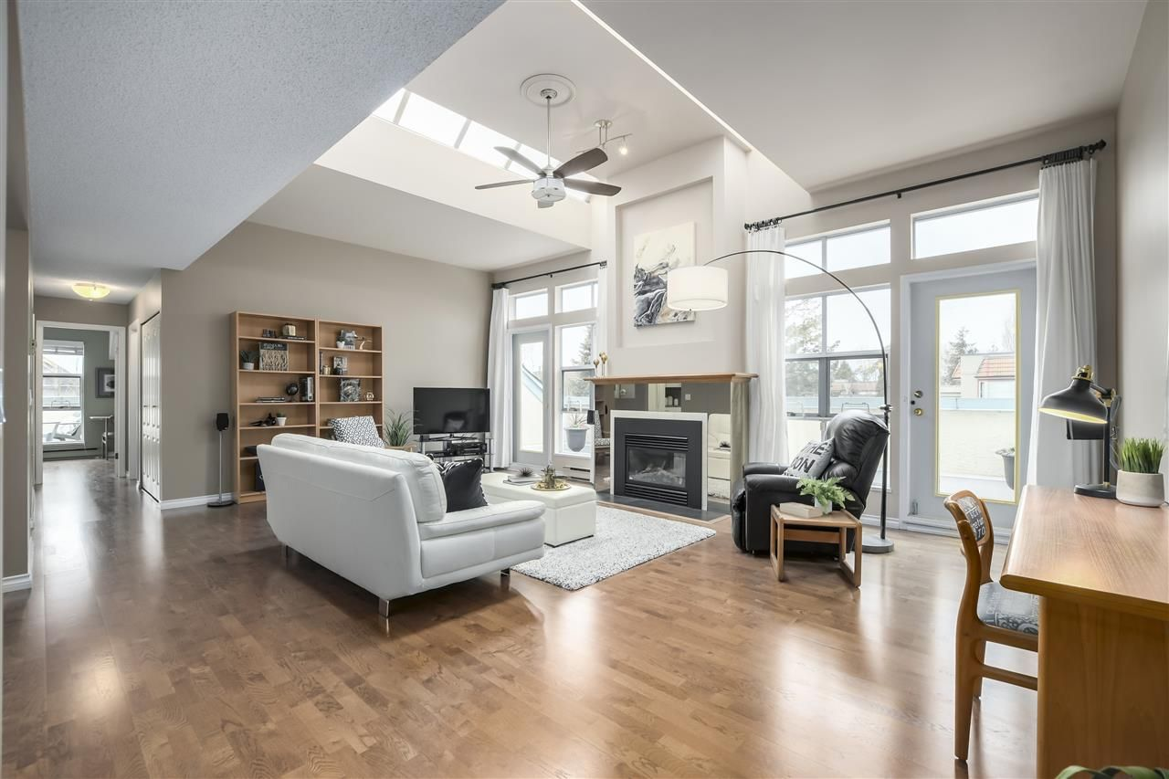 """Photo 1: Photos: 304 7580 MINORU Boulevard in Richmond: Brighouse South Condo for sale in """"CARMEL POINT"""" : MLS®# R2369650"""